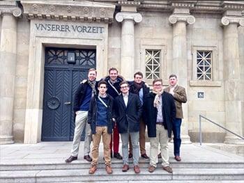 Besuch der Aktiven im Landesmuseum für Vorgeschichte